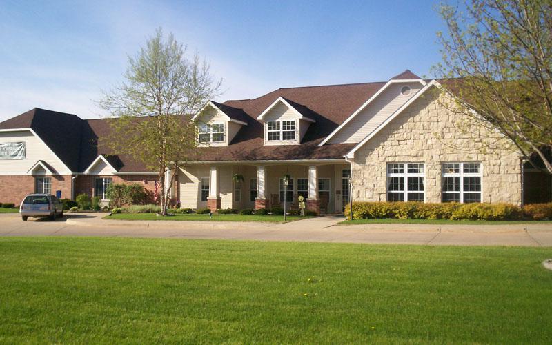 Fabulous Bickford Of Cedar Falls September 2019 Pricing Updated Home Interior And Landscaping Transignezvosmurscom
